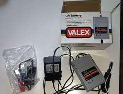 Wartungsgerät und Batterieladegerät für Motorad