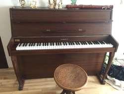 Piano um nur 1.300,00€ zu verkaufen