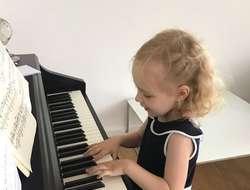 Klavierunterricht Nähe Sündbahnhofmarkt